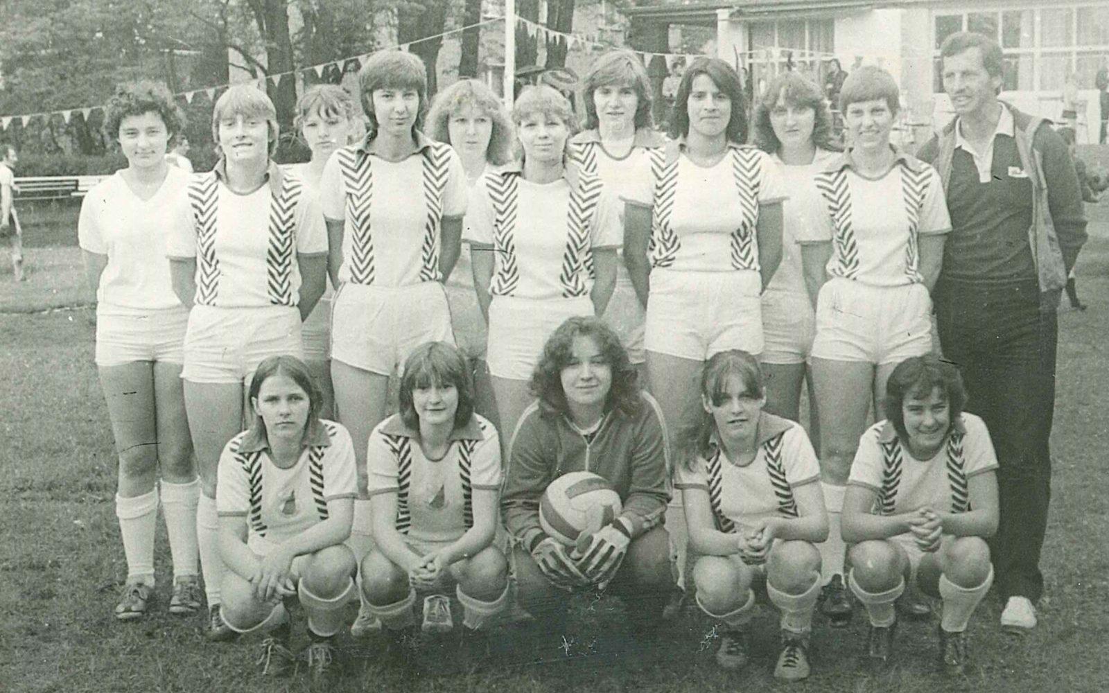1981 23. Mai 50. Vereinsjubiläum Frauenmannschaft gewinnt 2-0 gegen Forst Berlin